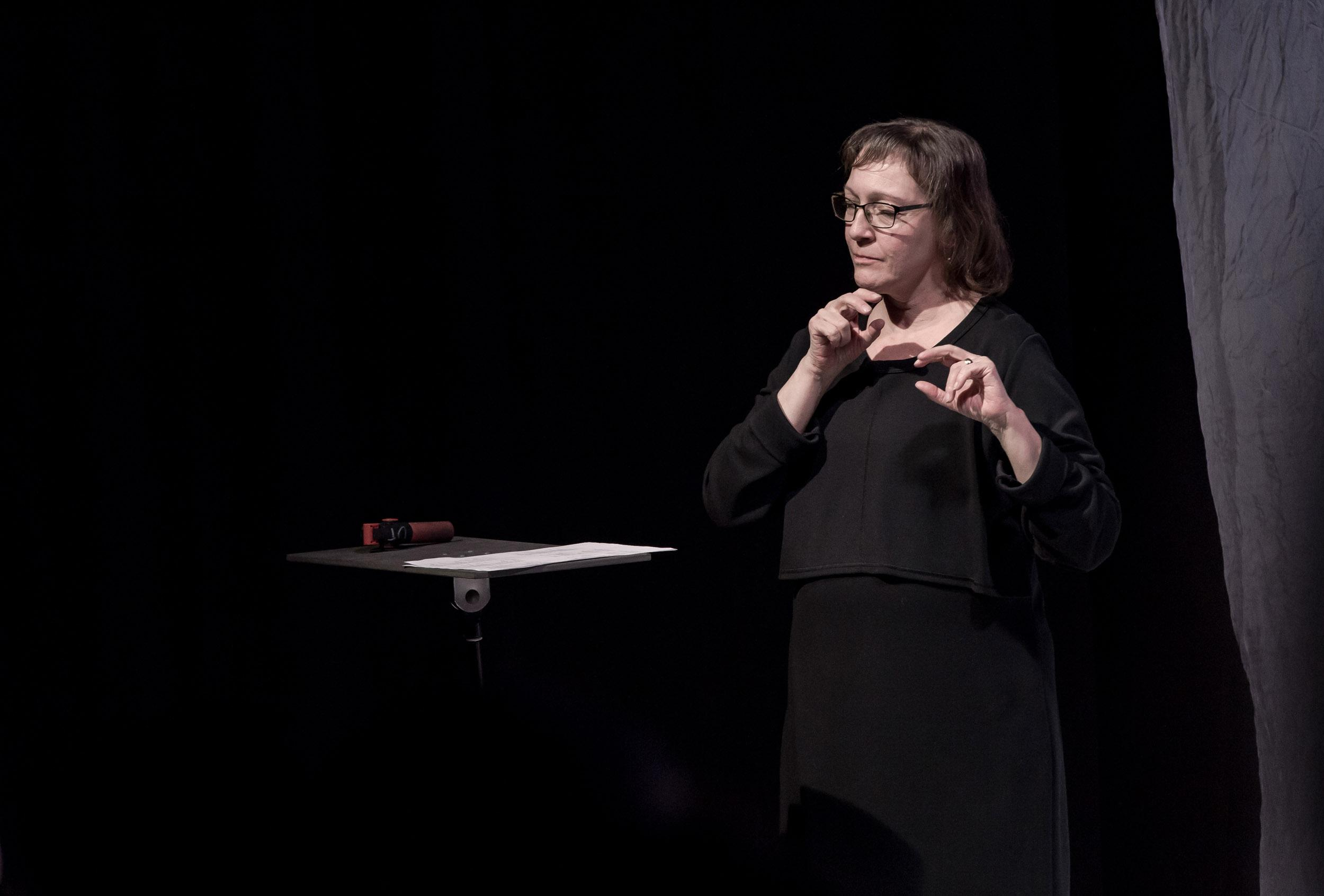 Viittomakielen tulkki Susanna Söderlund