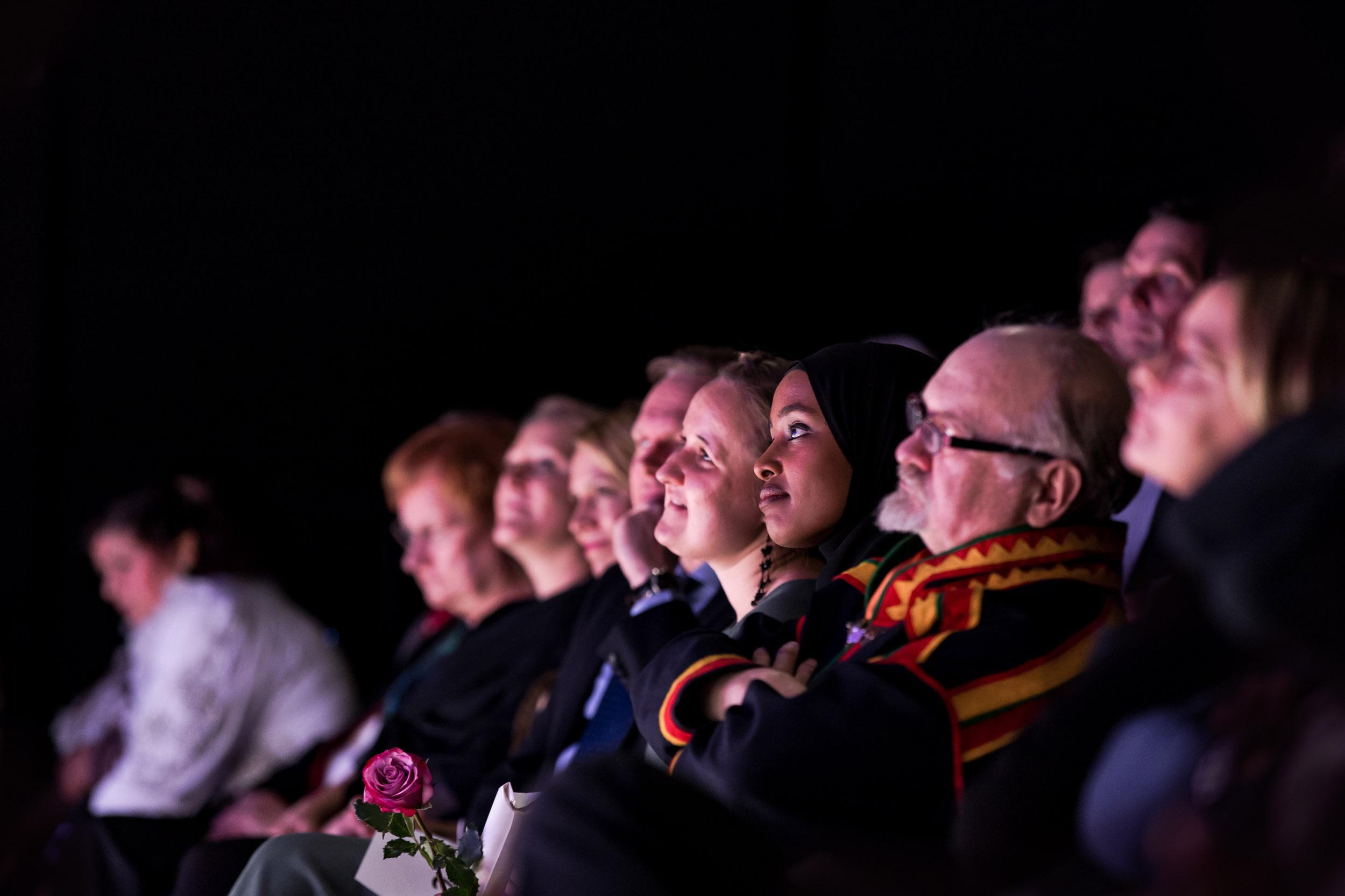 Puhujia ja muuta yleisöä
